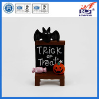 OEM Creative Resin Crafts Spooky Halloween Easel,Trick Or Treat Easel,Mini Easel Halloween Print Board with Pumpkin and Bat