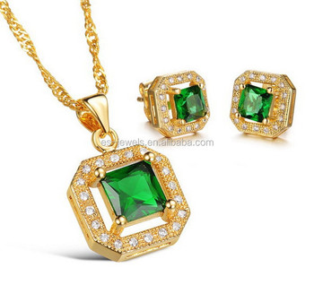 18K Gold Plated Jewelry Set Stylish Fake Jewelry Set Pendant Necklace and Earrings
