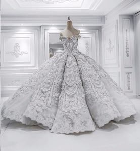 Real Photo OEM Custom Made 2018 Luxury Off Shoulder Ball Gown Extravagant Heavy Crystal Work Lace Dubai Bridal Wedding Dresses