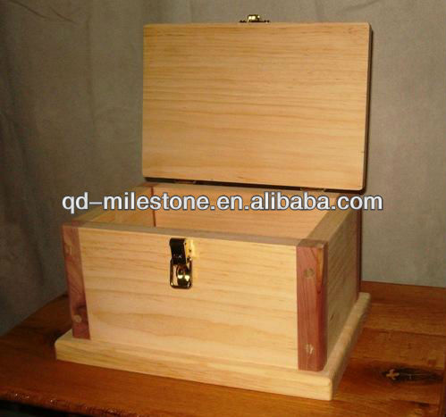 Good quality engraving and handmade wooden tool box toy