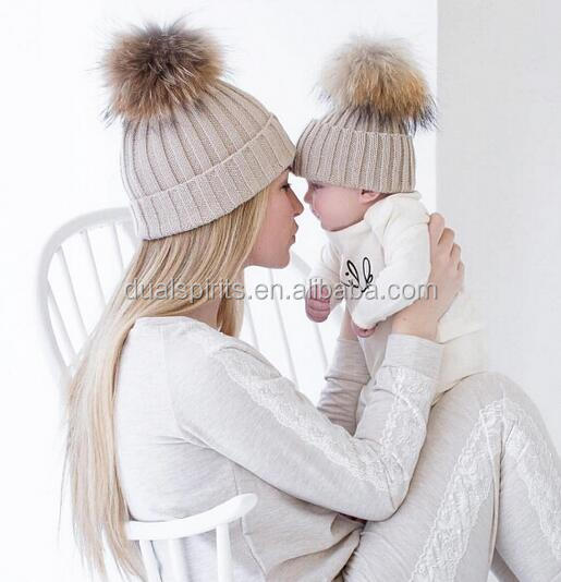 Custom fashion real raccoon fur pom pom hat beanie cap winter knitted hat for women and baby