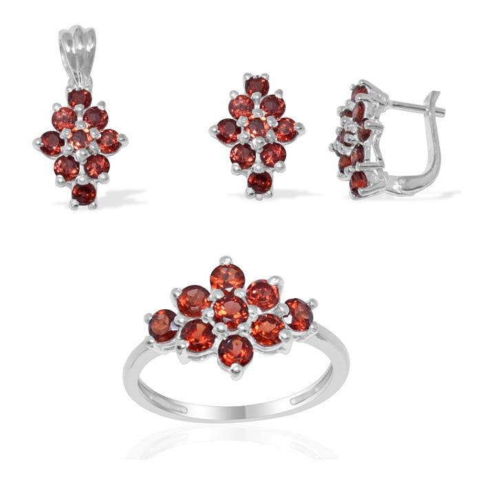 latest designs 2016 of Silver Full pendant set with Faceted Garnet gemstone