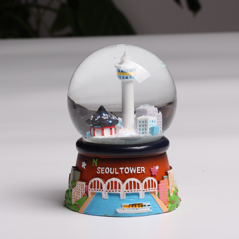 Resin Korea tourist view Seoul Tower snow globe