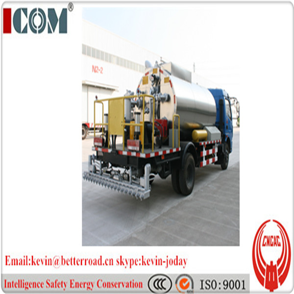 5 ton asphalt distribution truck, bitumen spraying truck, 4*2 driven system