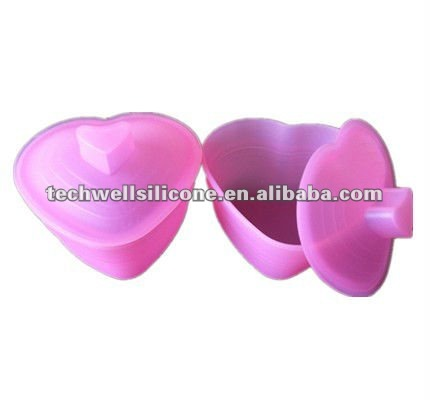 New design FDA silicone travel camping cup with cover