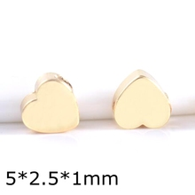 Factory direct 24K gold heart shape metal beads for bracelet necklace making brass flat metal spacer beads jewelry DIY supplies