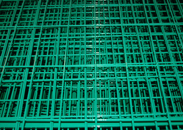 2m Height PVC coated welded mesh type fencing trellis and gate factory