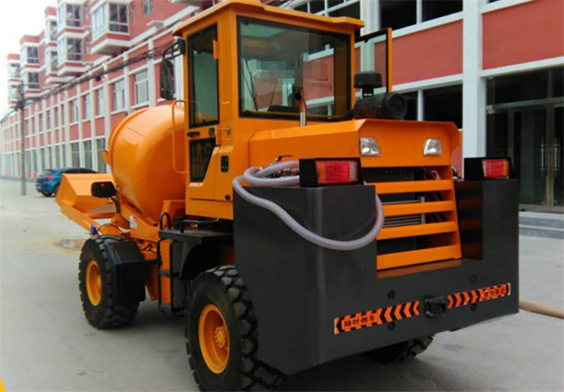 DONGFENG TRUCK 3 cubic meter Diesel Mobile Self-loading Cement Mixing Truck