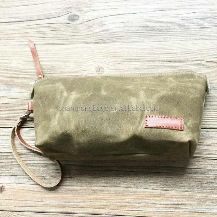 Water resistant waxed canvas Mens hanging toiletry travel bag supplier