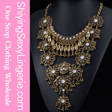 latest design saudi gold Retro Peacock Flash Rhinestone jewelry necklace