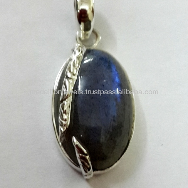 925 Sterling Silver Pendant, Designer Labradorite Cab Pendant, Fashionable Amethyst Silver Pendant