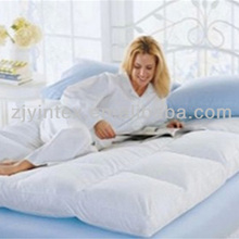 Popular white duck down or goose down mattress topper