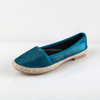 Wholesale new arrival slip on canvas shoes with heel for women