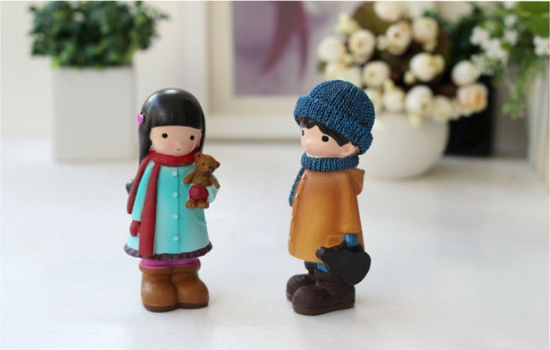 custom made cheap resin crafts love gifts for decoration couple statue polyresin