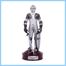 OEM/ODM China High Quality Simulation Resin Knight Figurine