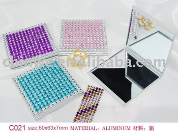 metal diamond pocket mirror