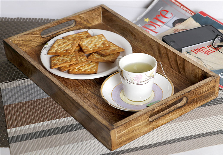 Natural wood smooth surface dessert serving wooden tray