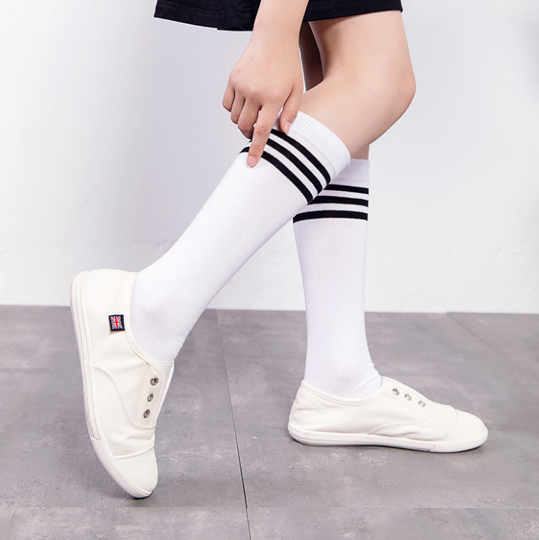 Wholesale spring knee high striped cotton students school socks