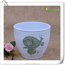 Home & garden round big ceramic planting pot with snail decal.