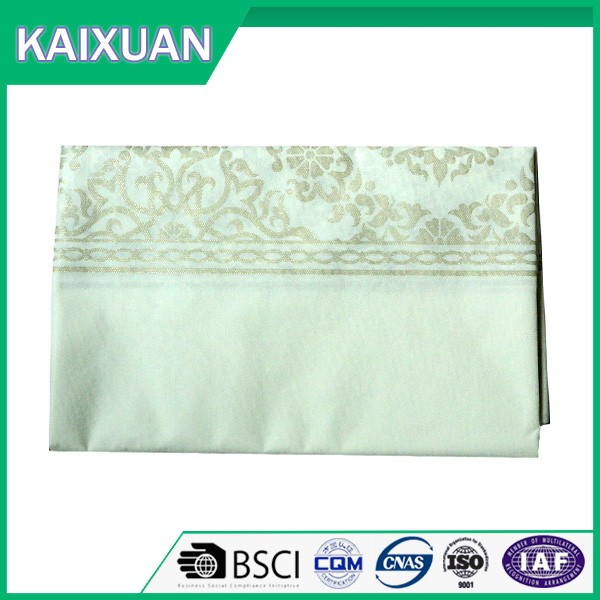 Wholesale luxury print beautiful disposable table cloth