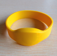 Factory Supply Directly Custom RFID Silicone NFC Wristbands / Bracelet