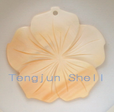 river shell carved flower mother of pearl pendant