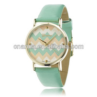 2015 New Arrival Ladies Fashion Striped Dial OEM Leather Watch