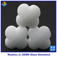 Wholesale White 4 Clover Glass Bead Semi Precious Stone of 2015 Hot Sale Style