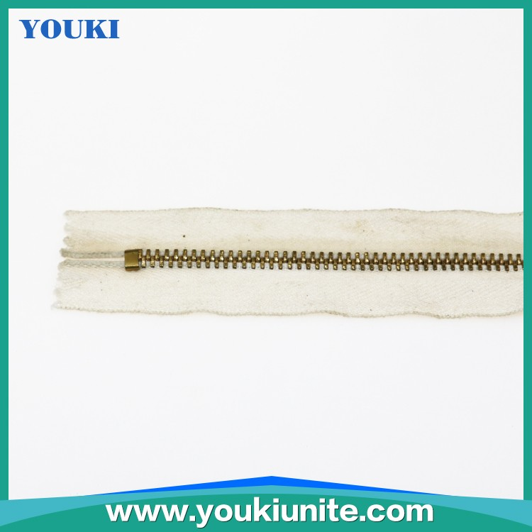 3# Cotton Tape Metal Zipper Close-end With Semi Auto Lock Slider YKM-2013