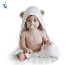 2017 hot custom animal organic babmoo hooded baby towel