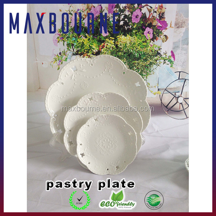 Ceramic White Wedding Pastry Mold Plate Wedding Decoration Set of 3