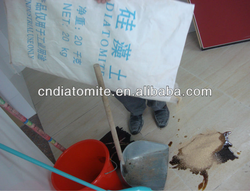 diatomite absorbent for oil spill control