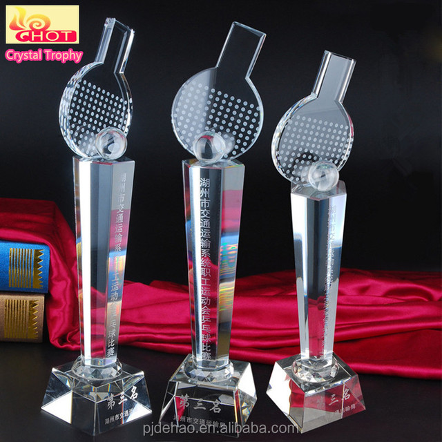 Wholesale New Design Fashion 3D Laser Engraved Cube Crystal Sport Cup Trophy