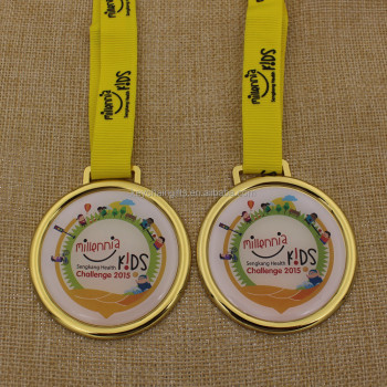 Promotion custom gold epoxy printing kids carnival medals