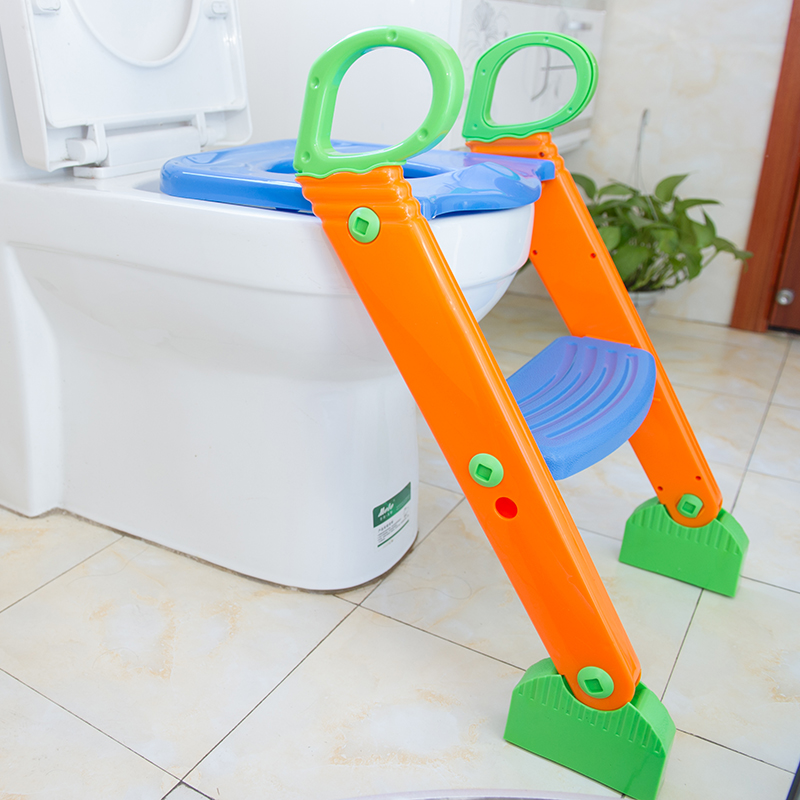 Portable plastic baby's toilet trainer seat with ladder