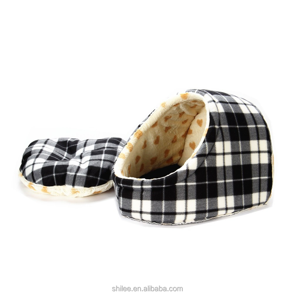 Super soft shoe shape plush cat cave Dot/plaid luxury pet bed Manufacturers
