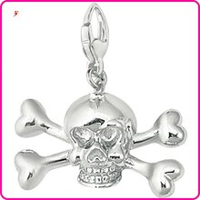 wholesale silver skull and crossbones charm(H103719)