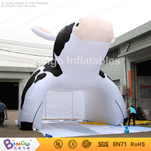 Promotion figure air supported structure inflatable milking cow tent tunnel