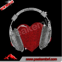 Iron On Men's Heart Headphones Hotfix Rhinestone Motif Crystal Applique For Clothing Decoration