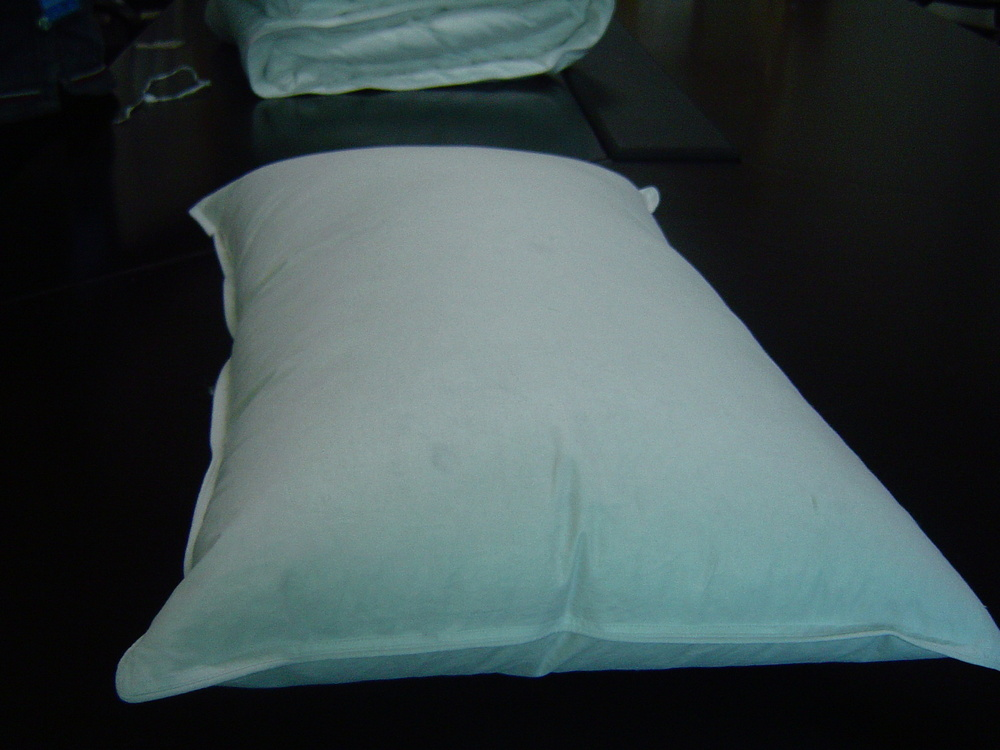 Good quality microfiber filled Pillow 100polyester pillow blanket pillow 2 in 1