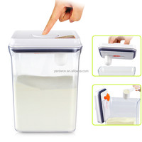 2.3 liter easy open and lock plastic baby food storage containers with hanged lid