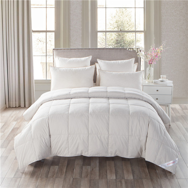 China 90% Duck Down Filled Quilt, 100% Cotton Fabric Down Comforter, High-Density Duvets Wholesale