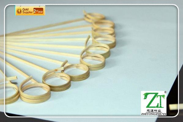 Non-coated thin bamboo sticks with different sizes bamboo finger food picks with Red Wooden Ball at Top 9cm