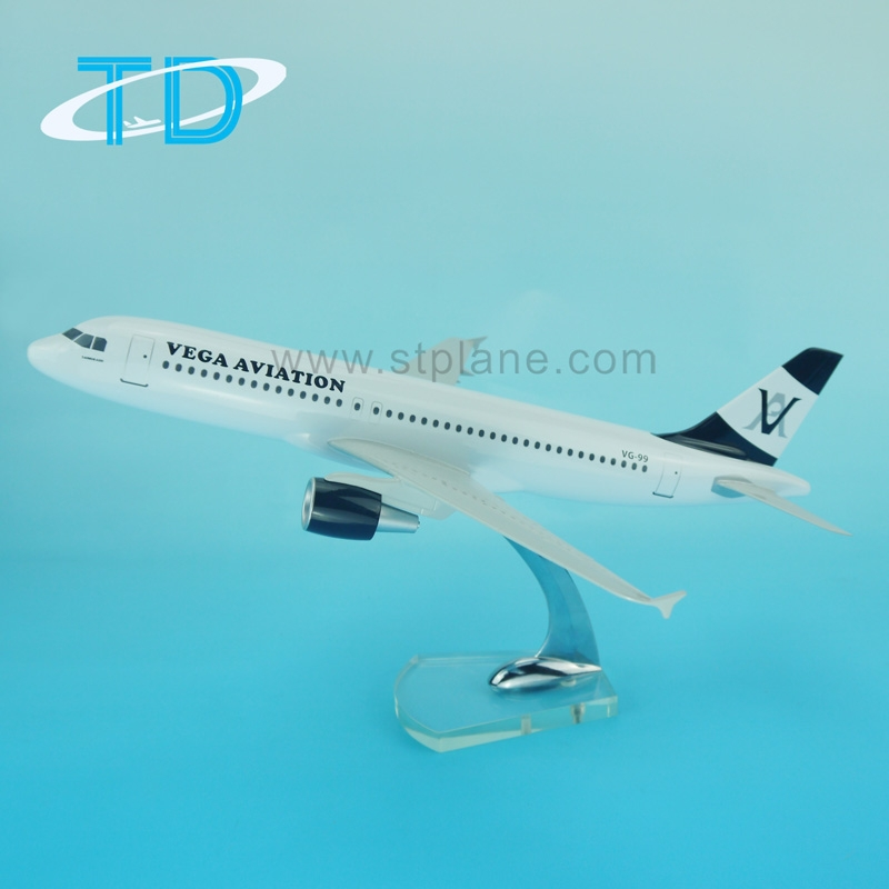 VEGA A320 1/100 37.6cm model airplane