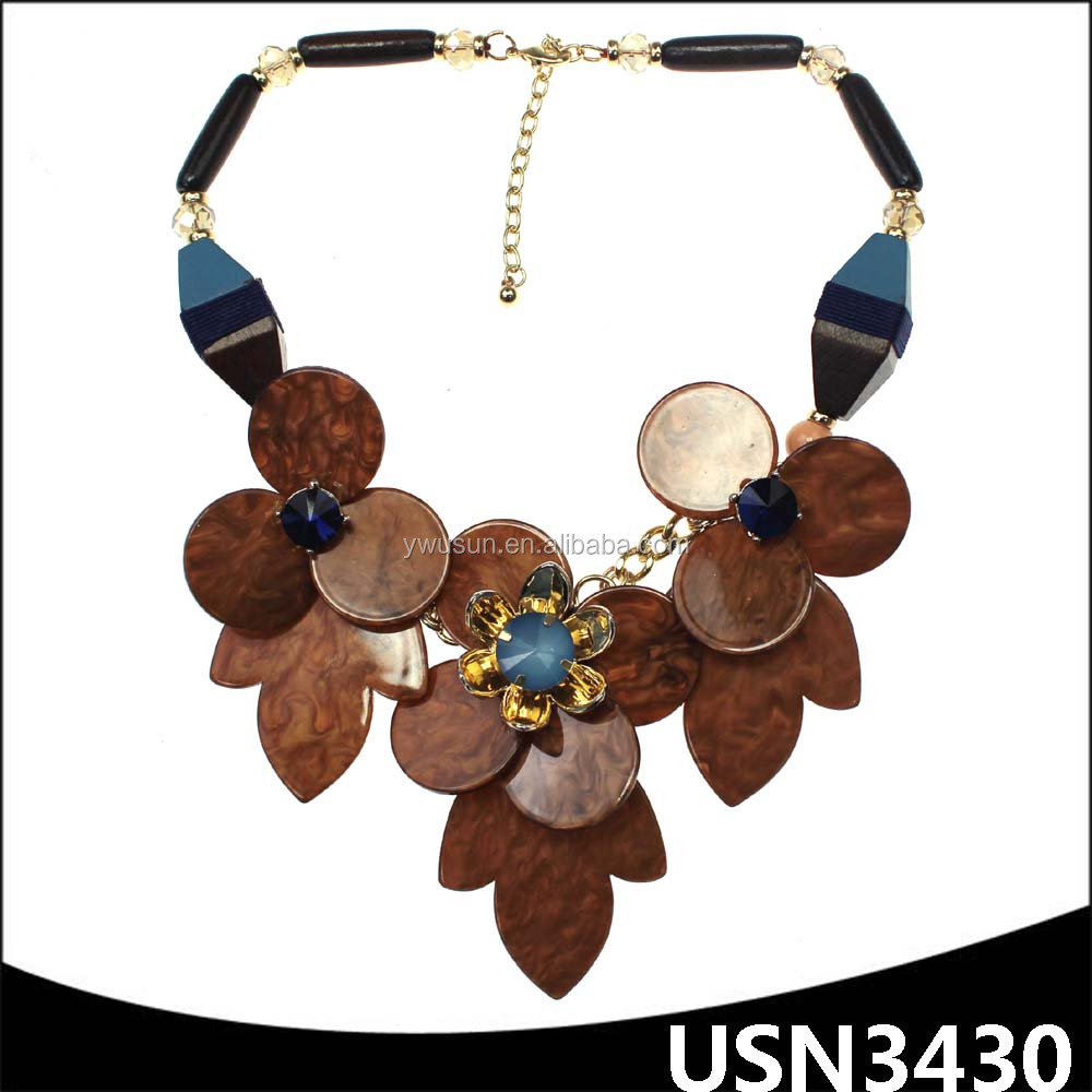 Wood charm string choker statement leaf shaped resin necklace