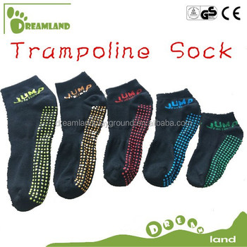 Manufacturing indoor trampoline non slip dots socks for trampoline
