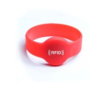 2018 OEM colorful passive NFC Ntag213 rfid smart silicone rubber wristband manufacturer in China