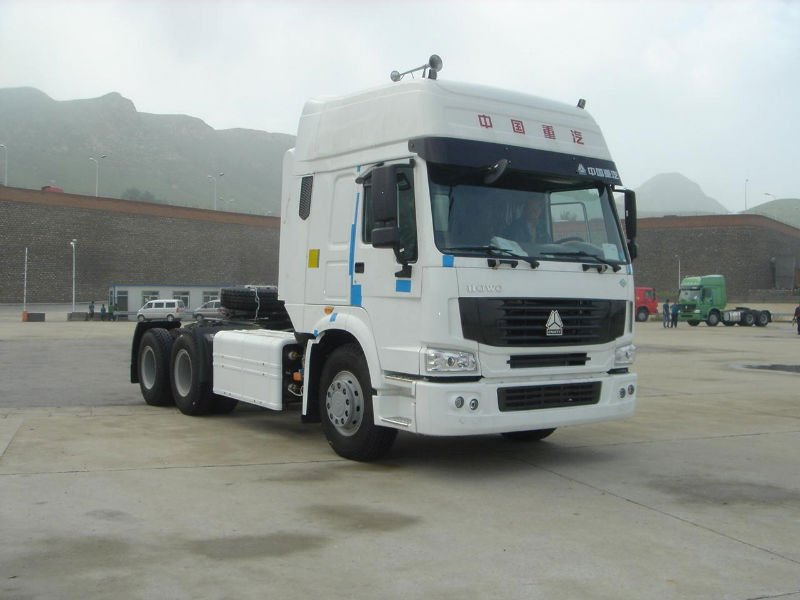 iran howo 6X4 tractor truck sales for uganda