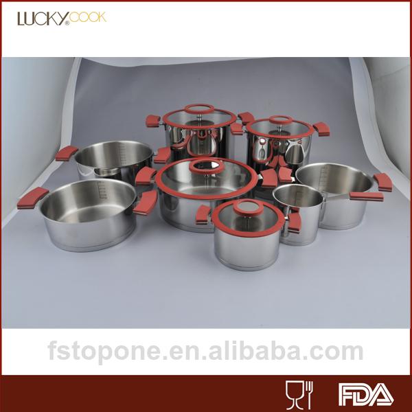 Pot parini ustensiles de cuisine avec la ligne d 39 eau int rieur - Pot a ustensiles cuisine ...
