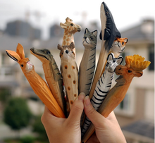 Cute Animal Style Wood Carving Pen Handmade Classic Hot Wood Animal Pen Ballpoint Pens